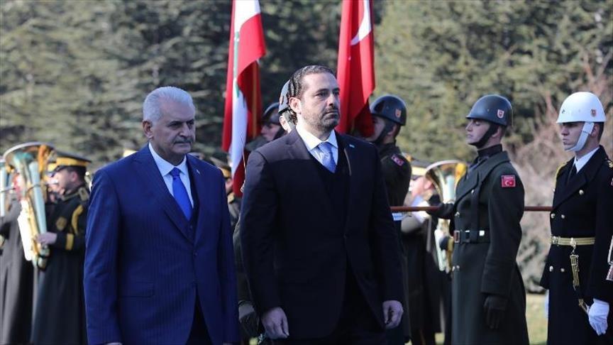 أكّد رئيس الوزراء اللبناني سعد الحريري اليوم أنّ بلاده تدعم مساعي حل الملف السوري بالطرق السلمية