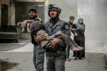 مجزرة عربين في ارتفاع.. ومقتل أحد المسعفين بغارات للنظام على الغوطة الشرقية