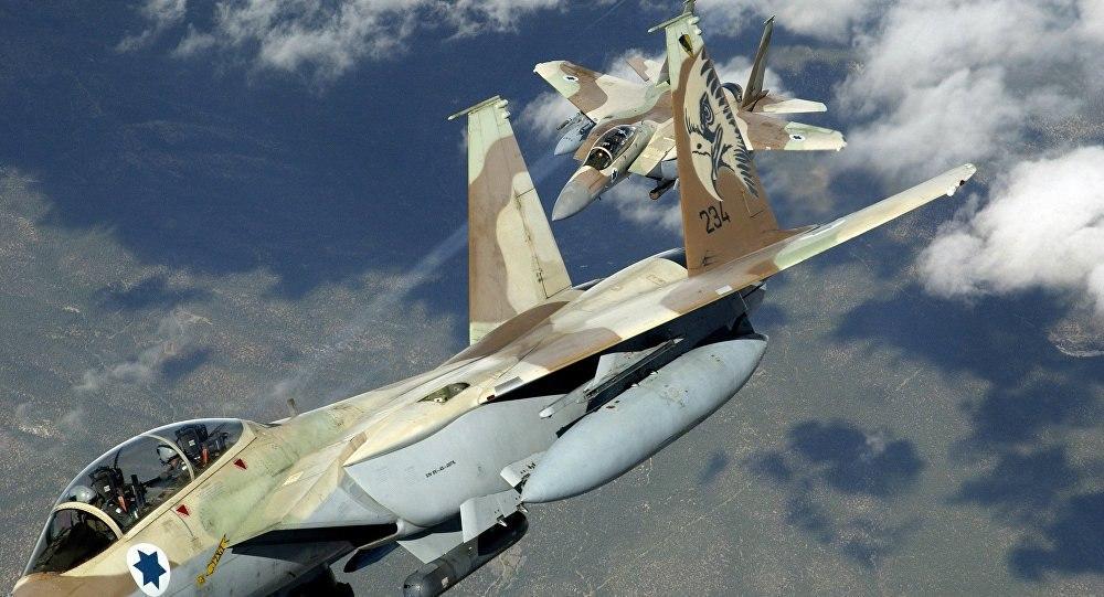 """قال المتحدث باسم الجيش الإسرائيلي """"كولونيل جوناثان"""" على صفحته الشخصية في تويتر: """"استهدفت قوات الدفاع الإسرائيلية أنظمة تحكم إيرانية في سوريا أطلقت طائرة دون طيار للمجال الجوي الإسرائيلي"""