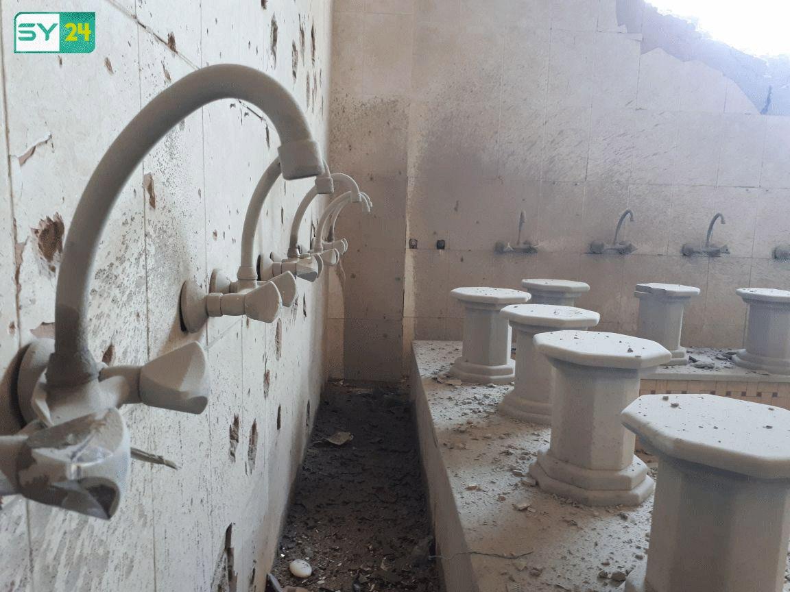 القذائف أدت لوقوع أضرار مادية بالغة في المسجد، دون وقوع إصابات بشرية.