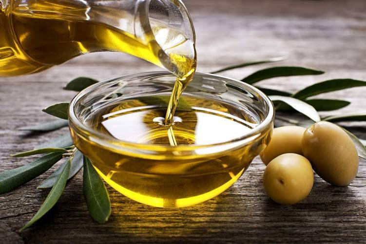 """ذكر المهندس """"عبد الفتاح الرحال"""" مدير زراعة درعا أن """"الإنتاج الحالي من زيت الزيتون سيكون ضمن التوقعات وهو نحو 3000 طن من الزيت"""