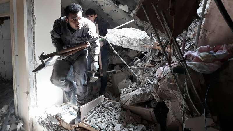 قصف أحد الملاجئ في مدينة عربين بالغوطة الشرقية المحاصرة