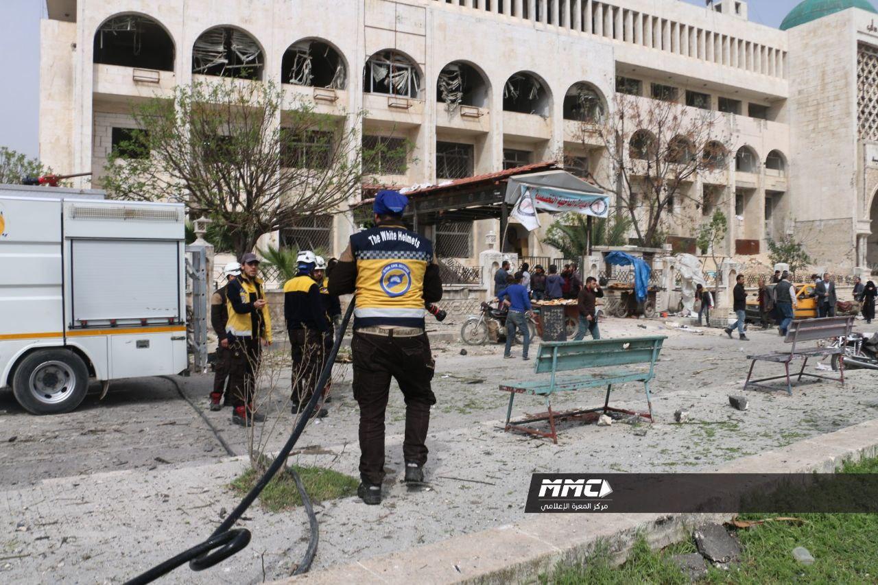 مقتل 7 مدنيين بانفجار سيارة مفخخة أمام أحد المشافي في محافظة إدلب
