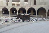القمامة تجتاح بلدة غربي دمشق.. والنظام يحمل المسؤولية للأهالي