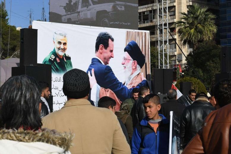 باحث سوري: إيران باتت أكبر من قدرة النظام وروسيا على تحجيمها في سوريا