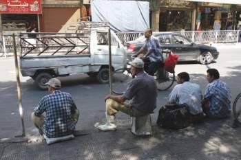 في حمص.. شبان وفتيات يشكون البطالة.. وتحذيرات من ظواهر اجتماعية لا يمكن ضبطها